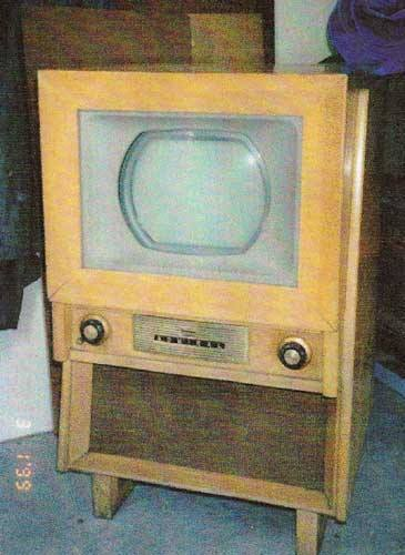 December 30, 1953…The First Color TV Sets Go On Sale – Eyes